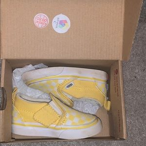 Baby girl shoes (negotiable)